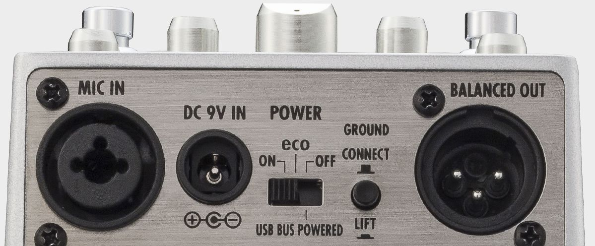 Zoom A3 Pre-Amp & Effects for Acoustic Guitar - Rear View