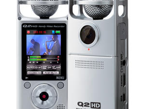 Zoom Q2HD Handy Video Recorder - front and rear view