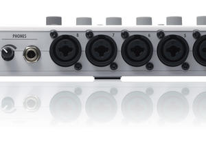 Zoom R16 Recorder : Interface : Controller - Rear View
